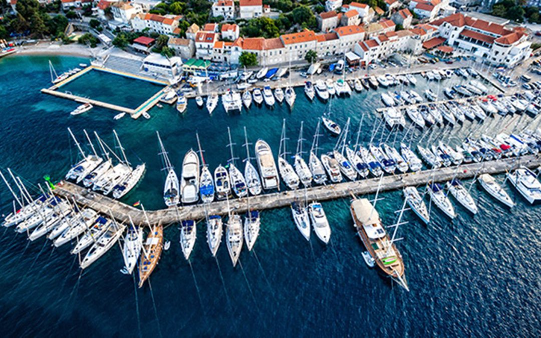 yachts in a marina, buying a yacht checklist