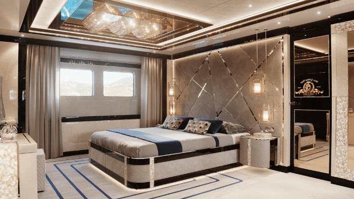 Interior Dynamiq GTT 135 Yacht - Boat Review