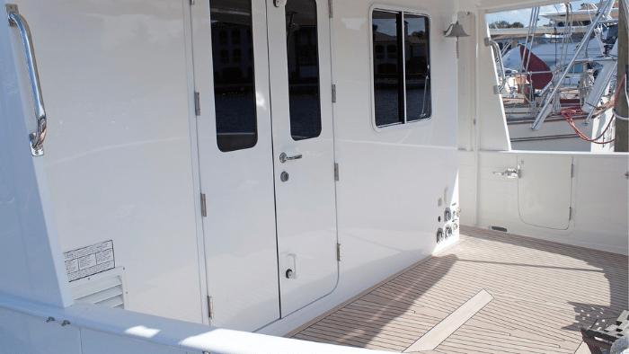 """Foredeck Kadey-Krogen 44AE Trawler """"Sweet Ride"""" - Boat Review"""