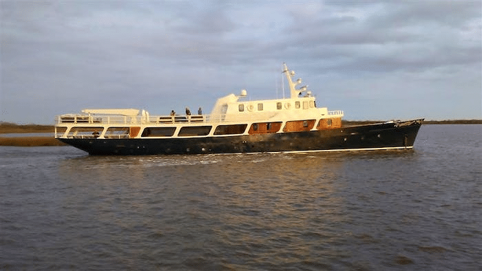 """1920 Camper and Nicholson Classic Motor Yacht """"Grey Mist"""" – Legends of the Seas"""