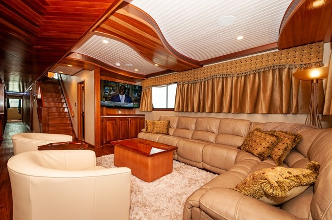 "2016 Custom Built Houseboat 106' 9"" Le Colby Jean living room"