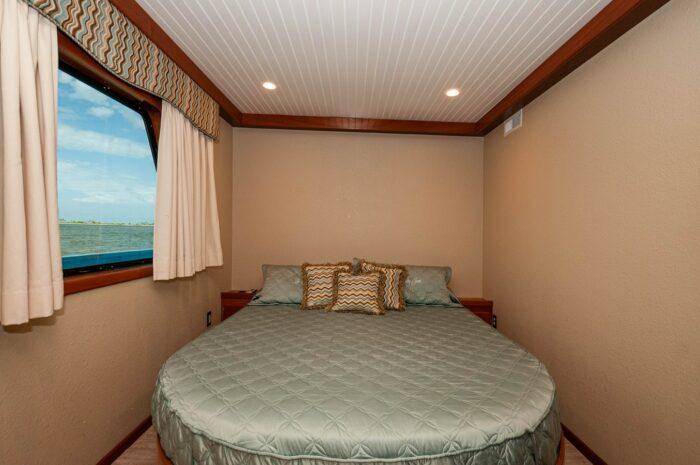 "2016 Custom Built Houseboat 106' 9"" Le Colby Jean bedroom"