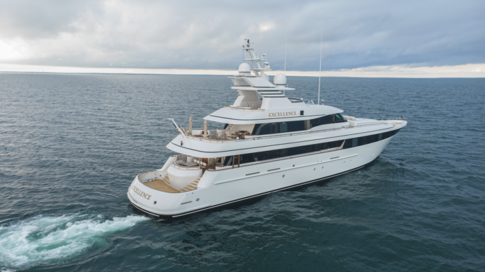 2001 153ft Feadship EXCELLENCE located in Connecticut