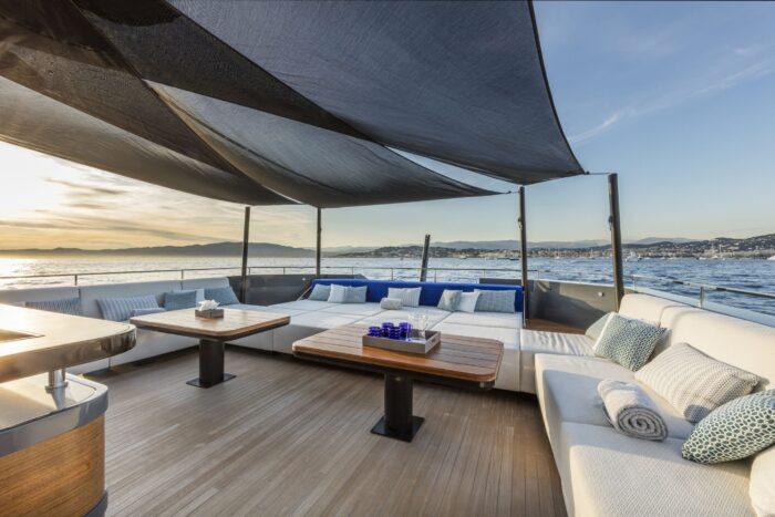 The World's Most Unique Yacht Builds Part 4 - Arcadia Yachts, yacht deck