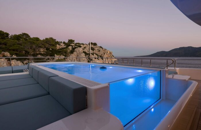 Superyachts and Super-Pools, O'PTASIA pool, Golden Yachts