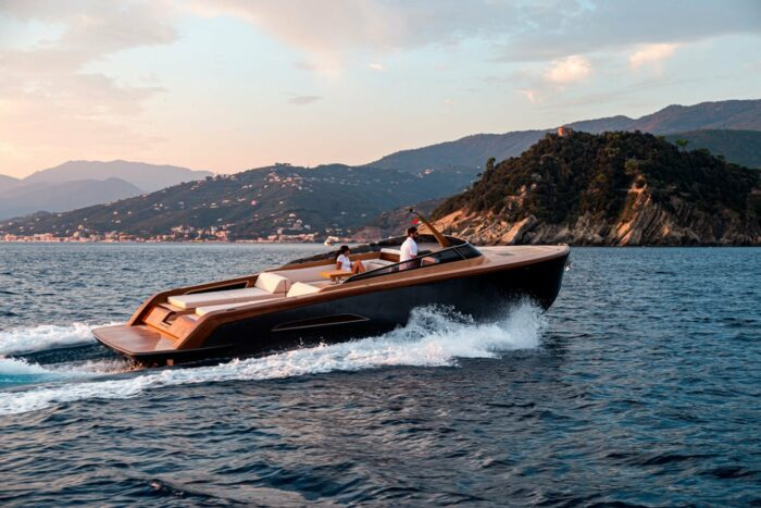Heritage 9.9 2020 35'10'' Custom Cruising Yacht